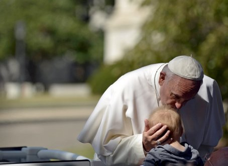 Pope Francis with child 2015