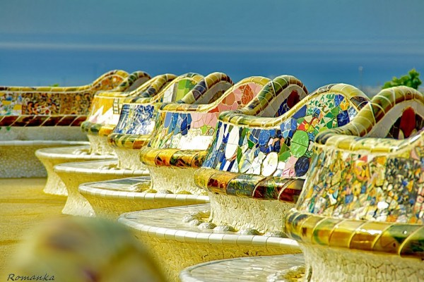 Parc Guell benches: photo by TileMosaicGirl.com
