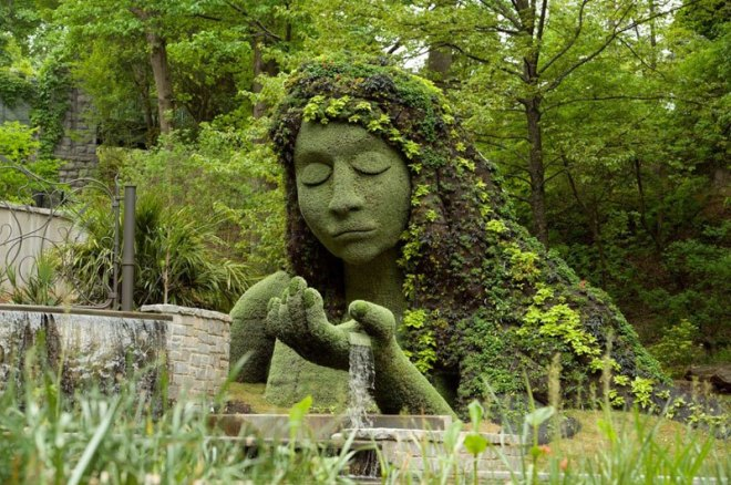 Mosaiculture topiary of earth goddess at Atlanta Botanical Garden