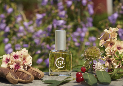 Gardeners Glove artisanal fragrance by St. Clair Scents