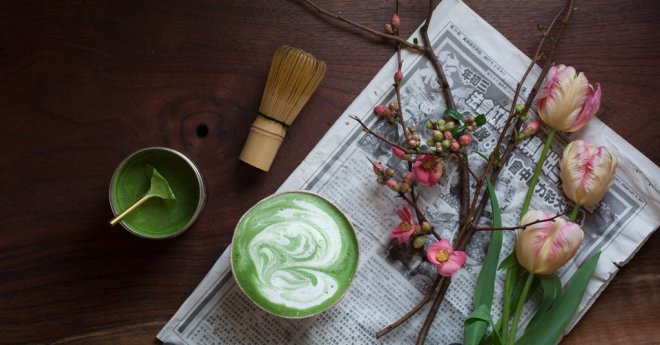 Steven Smith, Teamaker, matcha green tea latter with spring blossoms
